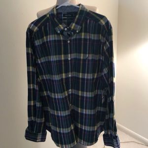 NWT - CLASSIC FIT OXFORD MENS PLAID SHIRT